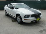 2005 Performance White Ford Mustang V6 Deluxe Coupe #34923784