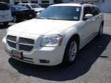 2005 Cool Vanilla White Dodge Magnum R/T #35054410