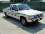 1990 Toyota Pickup Deluxe Extended Cab