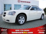 2005 Cool Vanilla White Dodge Magnum SXT #35899713