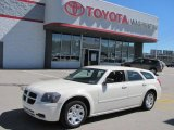 2005 Cool Vanilla White Dodge Magnum SE #36063577