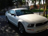 2005 Performance White Ford Mustang V6 Deluxe Coupe #354204