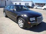 2005 Chrysler 300 C HEMI AWD Data, Info and Specs