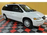 1998 Chrysler Town & Country Bright White