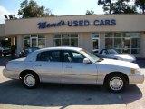 2000 Silver Frost Metallic Lincoln Town Car Executive #38413037