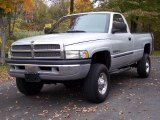Dodge Ram 2500 2001 Data, Info and Specs