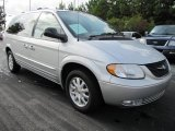 Chrysler Town & Country 2002 Data, Info and Specs