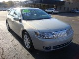 Lincoln MKZ 2009 Data, Info and Specs