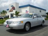 2000 Silver Frost Metallic Lincoln Town Car Signature #392635