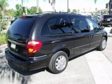2007 Chrysler Town & Country Brilliant Black Crystal Pearl