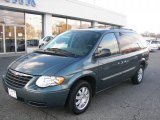 2006 Chrysler Town & Country Magnesium Pearl