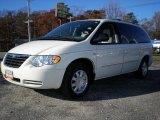 2007 Chrysler Town & Country Cool Vanilla White
