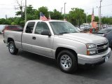 2006 Chevrolet Silverado 1500 Extended Cab Front 3/4 View