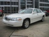 2005 Ceramic White Tri-Coat Lincoln Town Car Signature Limited #40004659