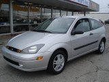2003 CD Silver Metallic Ford Focus ZX3 Coupe #40004667