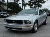 2009 Brilliant Silver Metallic Ford Mustang V6 Coupe #40551316