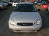 2005 CD Silver Metallic Ford Focus ZX5 SE Hatchback #41112011
