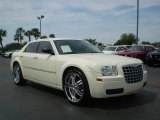 2008 Cool Vanilla White Chrysler 300 LX #392658