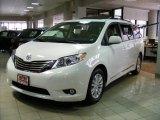 2011 Toyota Sienna Super White