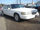 Lincoln Town Car 1997 Data, Info and Specs