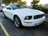 2006 Performance White Ford Mustang V6 Deluxe Coupe #42049904