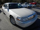 2005 Ceramic White Tri-Coat Lincoln Town Car Signature #42099602