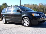 Chrysler Town & Country 2008 Data, Info and Specs
