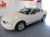 2007 Performance White Ford Mustang V6 Deluxe Coupe #42133704