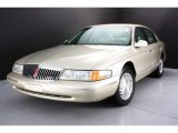 Lincoln Continental 1997 Data, Info and Specs