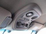 2001 Chevrolet Suburban 1500 LS 4x4 Controls