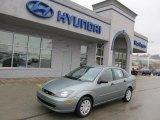 2004 Light Tundra Metallic Ford Focus SE Sedan #43338901