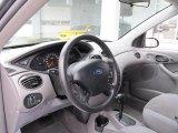 2004 Ford Focus SE Sedan Dashboard