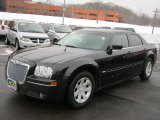 2005 Brilliant Black Crystal Pearl Chrysler 300 Touring #44204917