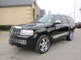 2007 Lincoln Navigator Ultimate Front 3/4 View