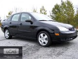 2005 Pitch Black Ford Focus ZX4 SES Sedan #44736146