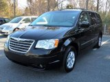 2009 Chrysler Town & Country Brilliant Black Crystal Pearl