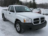 2005 Dodge Dakota ST Club Cab Data, Info and Specs