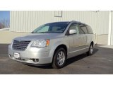 2009 Chrysler Town & Country Bright Silver Metallic