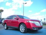 Lincoln MKT 2010 Data, Info and Specs