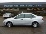 2005 CD Silver Metallic Ford Focus ZX4 SE Sedan #45876752