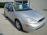 Ford Focus 2001 Data, Info and Specs