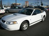 2000 Ford Mustang V6 Convertible Front 3/4 View