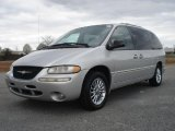 Chrysler Town & Country 2000 Data, Info and Specs