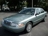Mercury Grand Marquis 2005 Data, Info and Specs