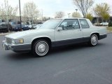 Cadillac DeVille 1989 Data, Info and Specs