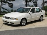 Volvo S70 Data, Info and Specs
