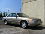 Ford Crown Victoria 2002 Data, Info and Specs