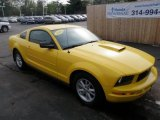 2005 Screaming Yellow Ford Mustang V6 Deluxe Coupe #48026148