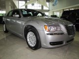 Chrysler 300 2011 Data, Info and Specs