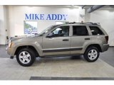 2006 Light Khaki Metallic Jeep Grand Cherokee Laredo #48194036
